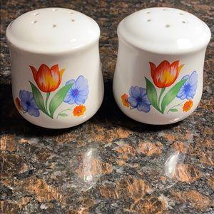 Corelle Fresh Cut Salt & Pepper Shakers